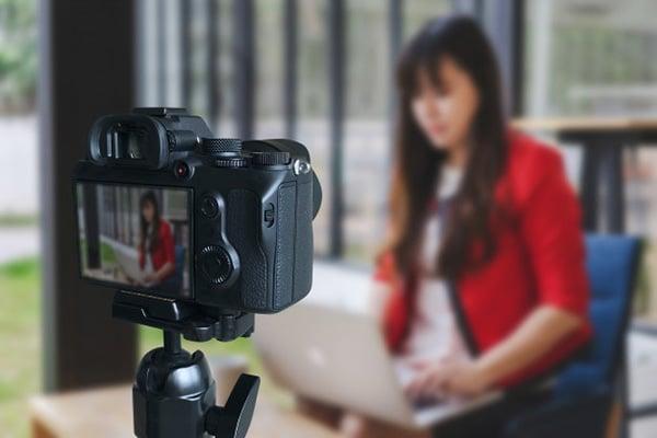 vlogger là gì